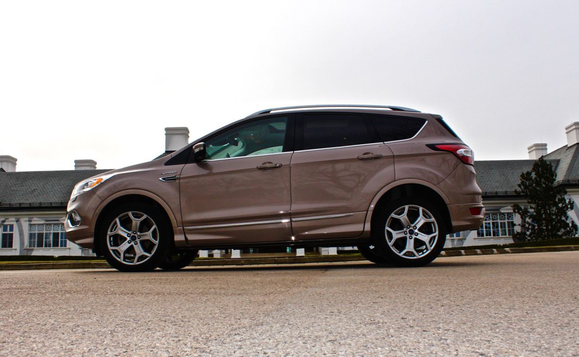 ford kuga vignale test in vignale werfen. Black Bedroom Furniture Sets. Home Design Ideas