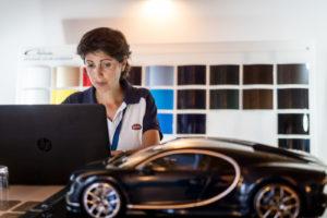 Laure Beneteau betreut mit ihrem Team die Divo-Kunden während der Konfiguration.